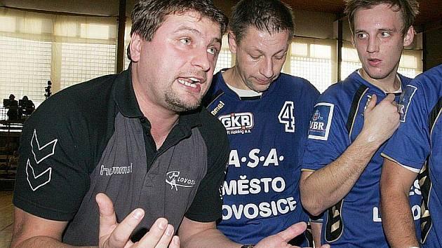 Lovosický trenér Vojtěch Srba dovedl svůj tým jen ke třem porážkám v řadě.