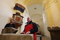V Mlékojedech na Litoměřicku mají nově opravený kostel