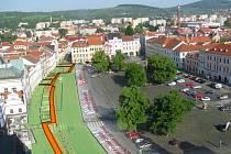 Oranžově je vyznačeno, kudy výkop přes náměstí povede. Obdobná bude i situace u muzea.