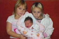 Martině a Martinu Mlchovým z Bohušovic nad Ohří se 5.11. v 15.21 hodin narodila v Litoměřicích dcera Klára Mlchová (50 cm, 3,62 kg). Na snímku se sestrou Veronikou a sestřenicí Nikolou.