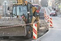 VOJTĚŠSKÉ NÁMĚSTÍ. Od dubna 2015 hlavní dopravní tepna při cestě do centra Litoměřic. Úpravy by tu měly být dokončeny nejpozději do konce března 2015.