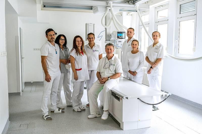 Roudničtí radiodiagnostici s novým skiagrafem