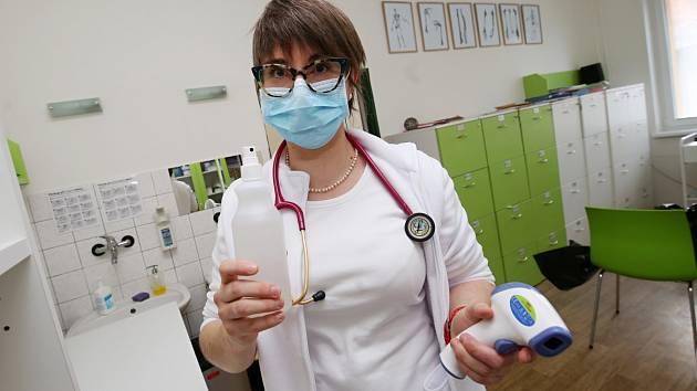 Praktická lékařka Marie Lukešová v třebenické ordinaci