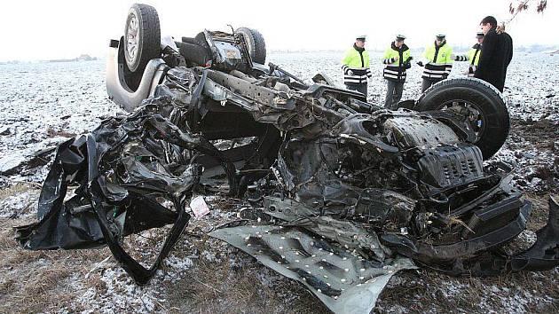 Tragická dopravní nehoda mezi terezínem a Lovosicemi, pátek 28. ledna 2011 ráno kolem 6.30 hodin.
