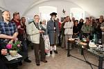 Litoměřičtí fotografové vystavují společně s výtvarníkem v Lukově u Úštěka.