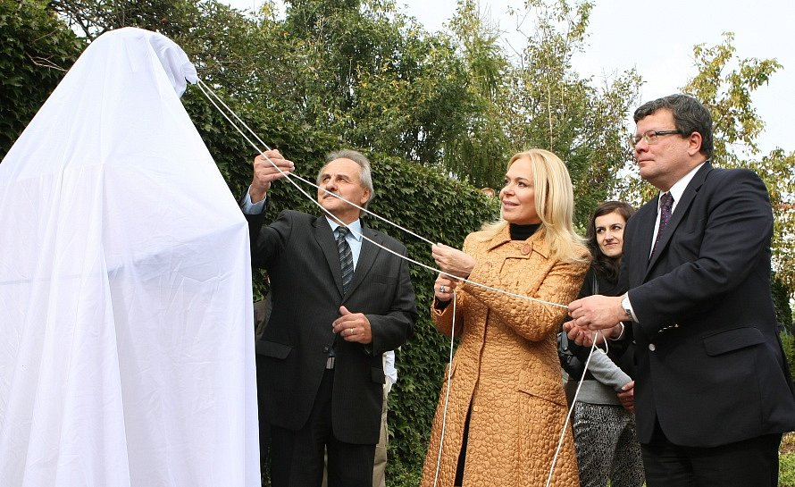 Odhalení busty V. Havla v Litoměřicích