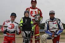 Letos pojede GP i Václav Milík (uprostřed).