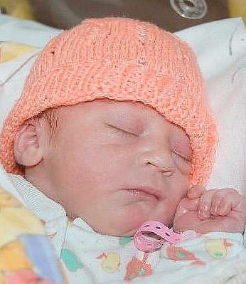 Daniele a Stanislavovi Levým z Myštic se v litoměřické porodnici 11. srpna v 10.20 hodin narodila dcera Veronika Levá. Měřila 50 cm a vážila 3,38 kg. Blahopřejeme!
