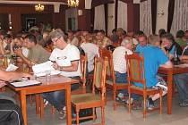 NA AKTIV STK dorazí vždy většina pozvaných zástupců klubů. Stejné to bylo i tentokrát, kdy se sešli v restauraci Koliba v Litoměřicích.