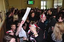 Protest studentů o velké přestávce.
