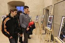HUFO aneb Humor ve fotografii je název nové výstavy devíti místních autorů. K vidění je v prostorách litoměřického hradu.