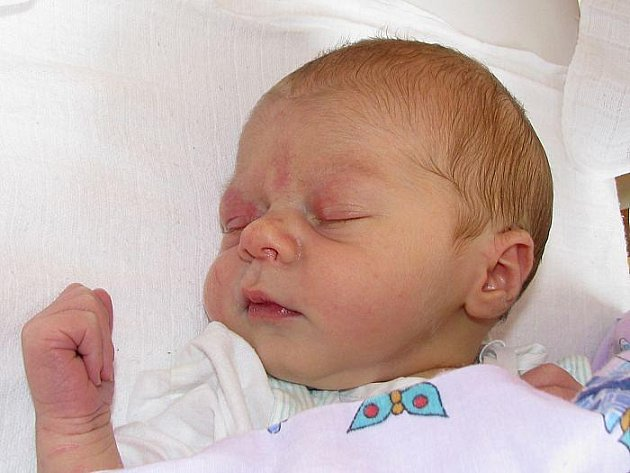Ivaně Gutové z Roudnice nad Labem se v ústecké porodnici 5. srpna v 1.19 hodin narodil syn Jiří Fáry. Měřil 50 cm a vážil 3,4 kg.  Blahopřejeme!