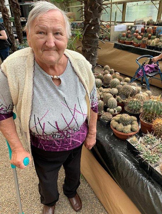 Senioři z Čížkovic na výstavě kaktusů