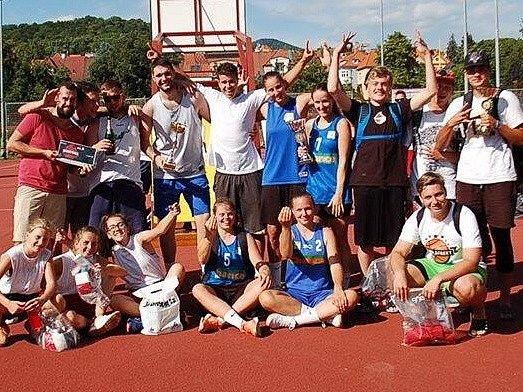 Streetbalový turnaj si účastníci i pořadatelé pochvalovali.