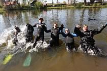Potápěči odemkli řeku Ohře.