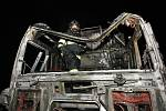 K požáru kamionu došlo v pátek večer krátce před půl jedenáctou na dálnici D8 u sjezdu na Lovosice.
