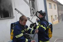 Jenčičtí už pomoc třebenických hasičů (na snímku) nechtějí