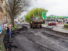 Opravy na silnici u Kauflandu
