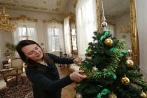 Vánoční výzdoba na zámku v Ploskovicích