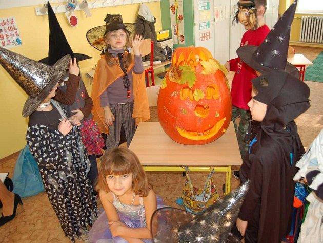 Oslavy halloweenu v ZŠ Lingua.