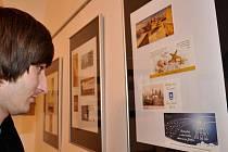 """Výstava """"péefek"""" na MěÚ Litoměřice."""