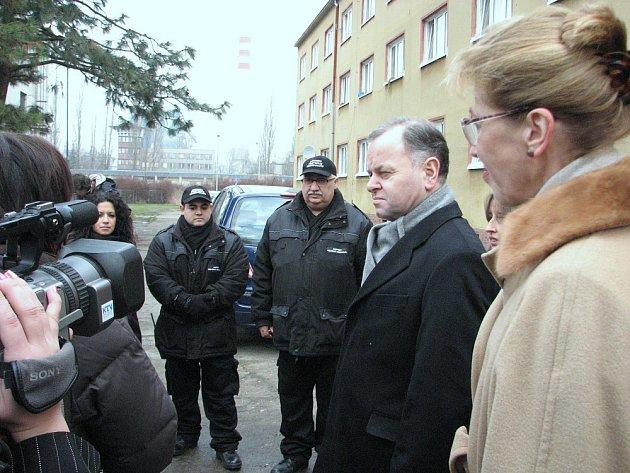 Předseda norského parlamentu Olemic Thommessen v doprovodu velvyslankyně Norského království v ČR Siri Ellen Sletner se seznámil i s prací asistentů prevence kriminality.