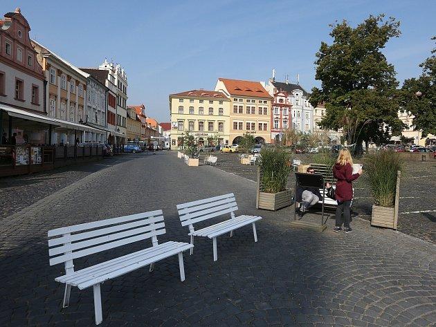 Dočasné zřízení pěší zóny na Mírovém náměstí v Litoměřicích.