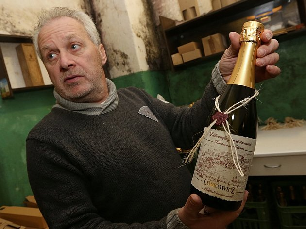 Roudnické Lobkowiczké zámecké vinařství připravilo poprvé v historii sekt vyrobený klasickou metodou jako ve Francii.