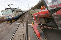 Dopravní nehoda vlaku s traktorem u Třeboutic