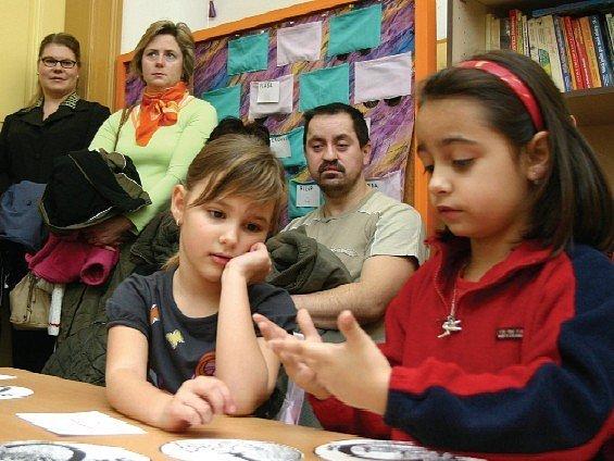 Sobotních mimořádných školních hodin se zúčastnili také žáci  I.B, třídní učitelky Andrey Červenkové. Svým rodičům předvedli získané dovednosti.