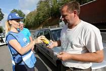 V Litoměřicích proběhla policejní dopravní akce ve spolupráci s Besipem. Disciplinovaní řidiči dostali nealko pivo a drobné dárky.