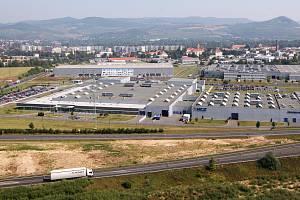 Letecký pohled na průmyslovou zónu v Lovosicích, kde sídlí i firma TRCZ