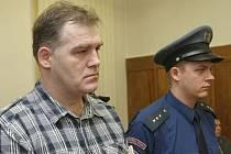 Jiří Vykysal si vyslechl rozsudek: čtyři roky nepodmíněně ve věznici s ostrahou a sedm let zákaz řízení motorových vozidel.