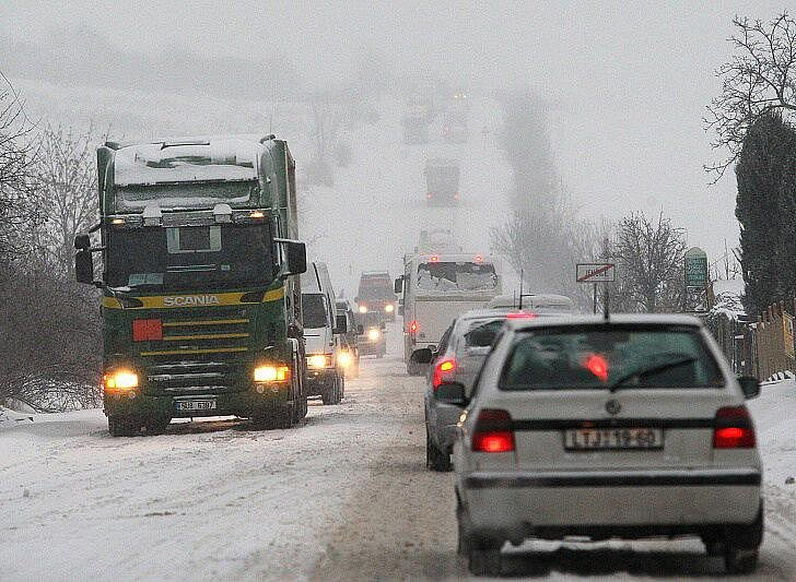Sněhová kalamita na Litoměřicku - pátek 17. 12. 2010.