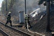 Hasiči bojují s požáry na Lovosicku