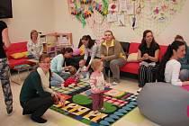 ZÁZEMÍ. V mateřském centru Žabička získaly příjemné zázemí s bohatou výbavou nejen děti, ale i jejich maminky.