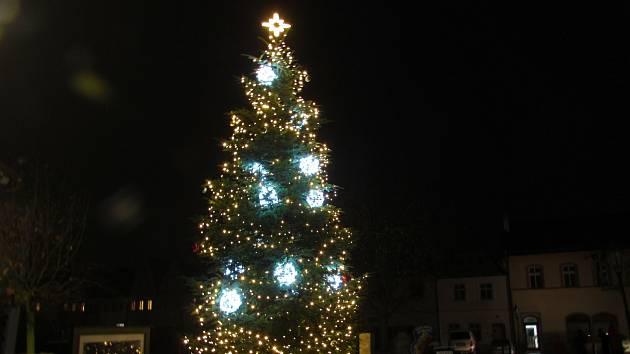 Vánoční strom v Úštěku