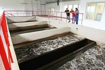LITOMĚŘICE PIJÍ KOHOUTKOVOU z Malešova, Vrutice a Močidla. Dříve je zásobovala úpravna vody v Píšťanech. Ta dnes zásobuje pitnou vodou blízké Lovosice a Ústí nad Labem. Voda z 99 metrů hlubokých křídových vrtů je velice kvalitní. I přesto se dále upravuje