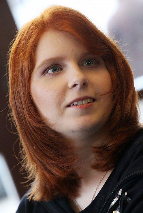 Viktorka, která se potýká s následky těžké nehody, se díky dobrým lidem stala na den modelkou.