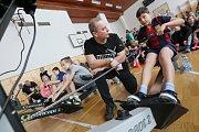 Soutěž ve veslování na trenažéru absolvovaly ve středu děti ze základních škol v Litoměřicích.