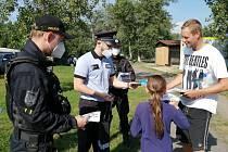 Preventivní policejní akce Bezpečně u vody u Píšťanského jezera.