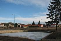 PŘES MILION. Obec Bechlín investovala loni z vlastního rozpočtu do revitalizace Nebeské nádrže přes milion korun.