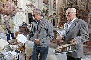 Jezuitský kostel v Litoměřicích se stal místem křtu nové knihy o zdejším hřbitovu a osobnostech, které jsou tam pohřbeny.