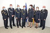 Slavnostní předání služebních medailí.