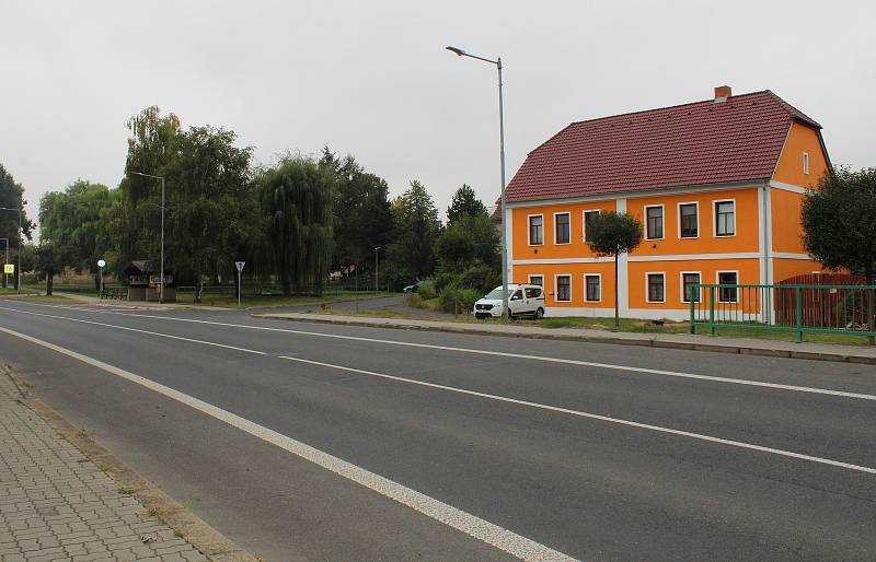 Obec Velemín.