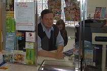 POŠTA PŘED ZRUŠENÍM? Malé pošty na Litoměřicku budou mít stále méně hodin pro veřejnost. Klasičtí pošťáci za přepážkou se tak asi stanou minulostí a vzpomínkou.
