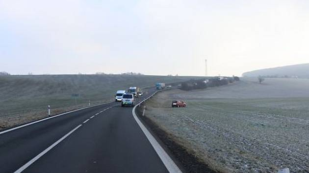 Policie pátrá po svědcích dopravní nehody u Soběnic