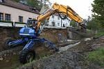Oprava nábřežní zdi Úštěckého potoka