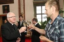 Setkání biskupa s novináři.