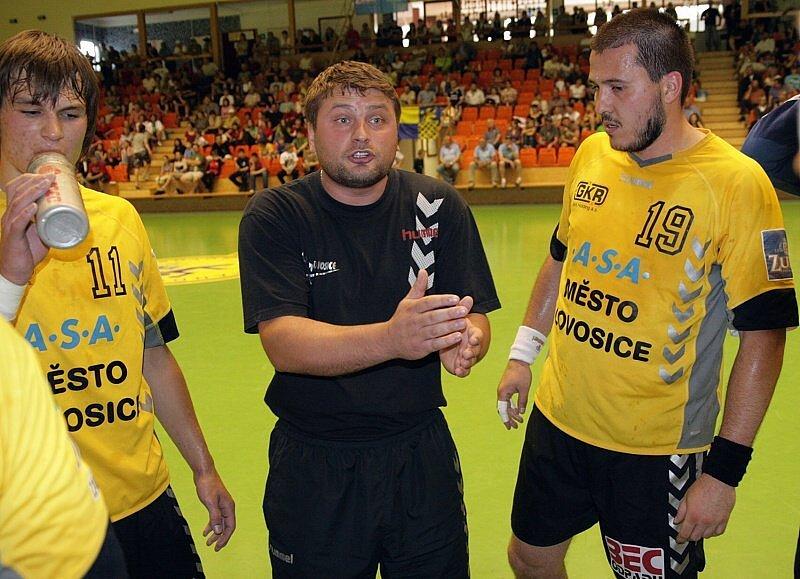 Trenér Vojtěch Srba, vpravo Petar Kogoj.